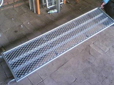 脚手架钢板网